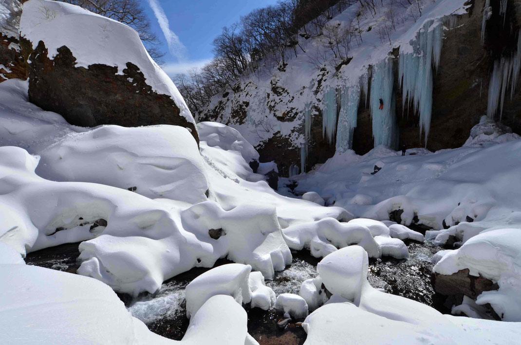 日光 雲竜瀑 行き方 氷瀑 ツアー