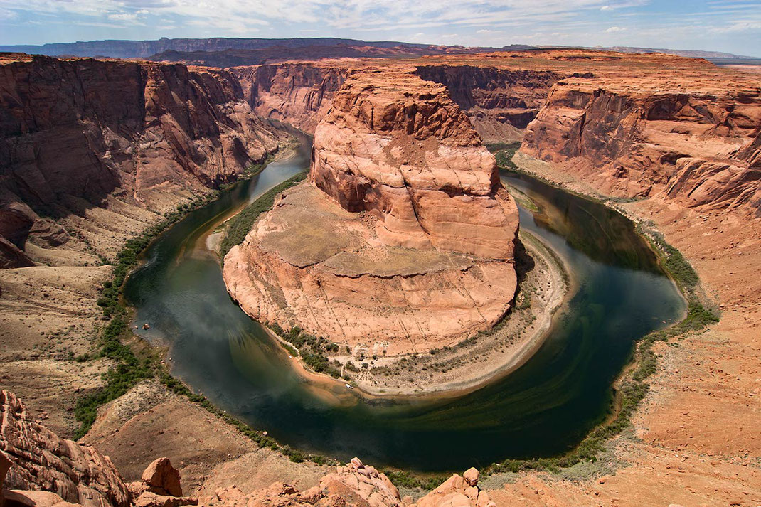 Horseshoe Bend of the Colorado River, Glen Canyon National Park, beautiful colors and rock formations and green river, 1280x853px