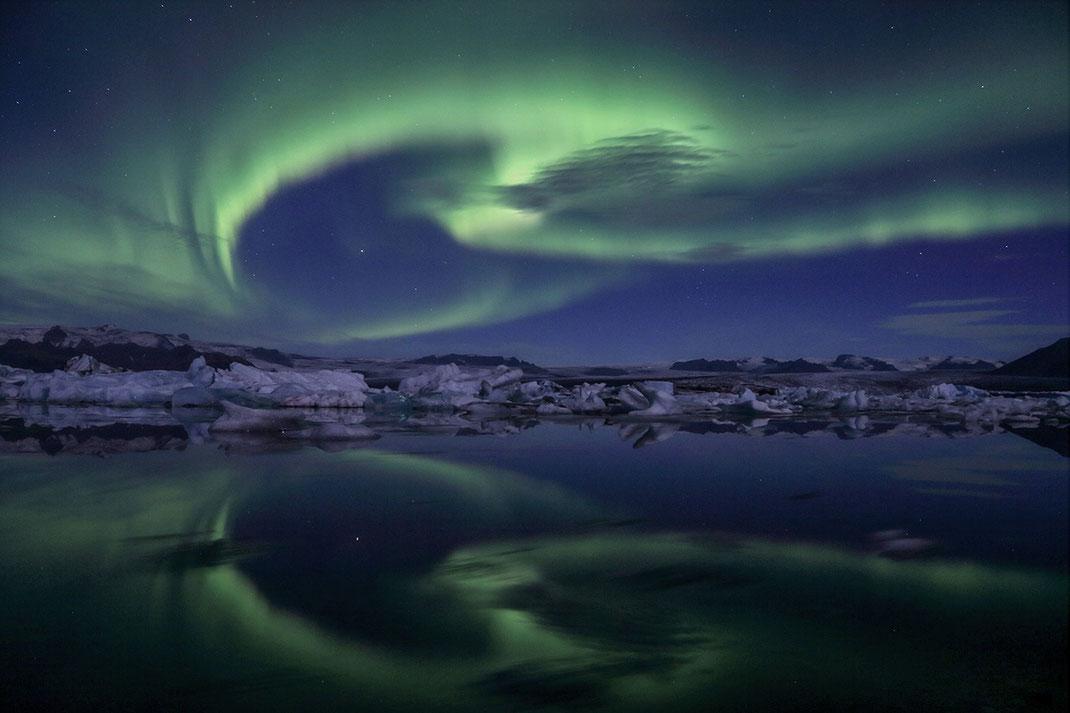 Magical Aurora Borealis, Northern Lights at Jökulsárlón, Reflection in the Glacier Lagoon, Iceland, 1280x853px