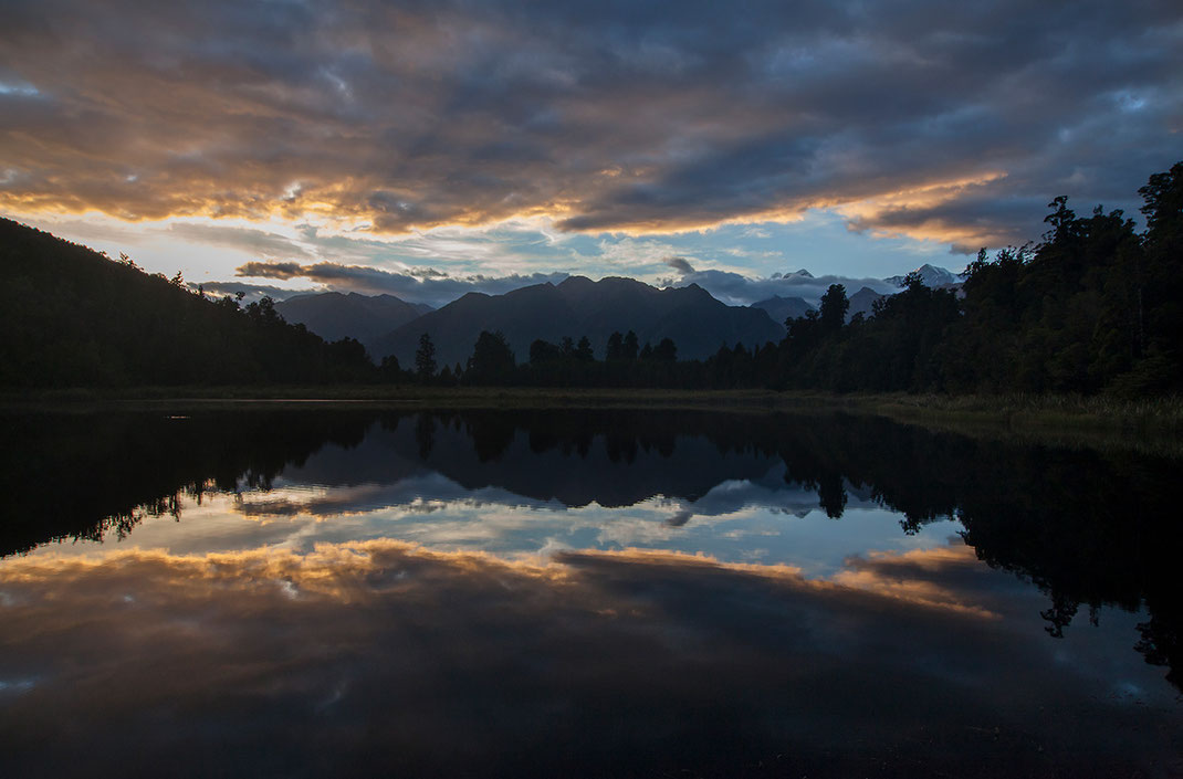 Jetty Viewpoint with reflections of the Southern Alps at Sunrise, Westland National Park, Southern Island, New Zealand,  1280x843px