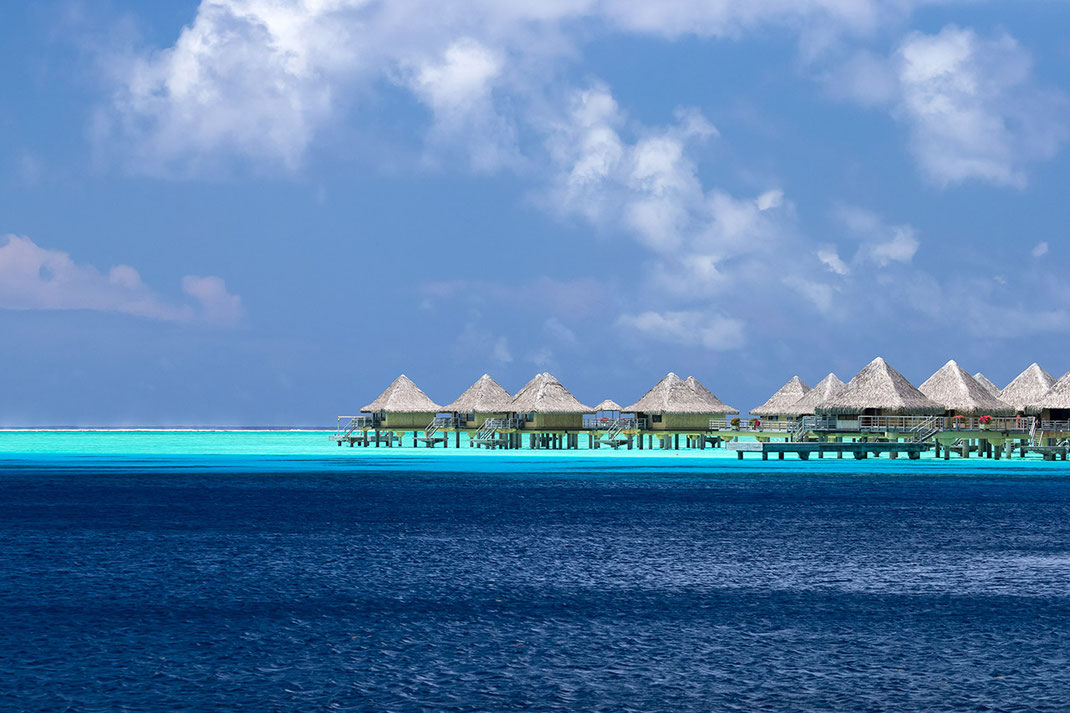 Beautiful crystal clear turquoise water, Overwater Bungalows, Bora Bora, South Pacific, French Polynesia, 1280x853px