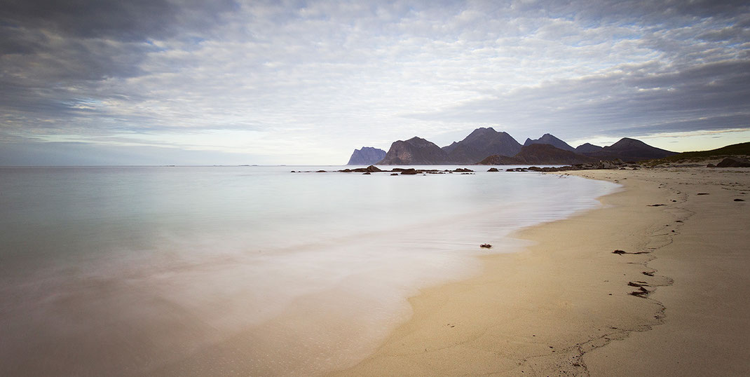 Beautiful white sand beach with mountains, Lofoten Islands, Norway, 1280x643px