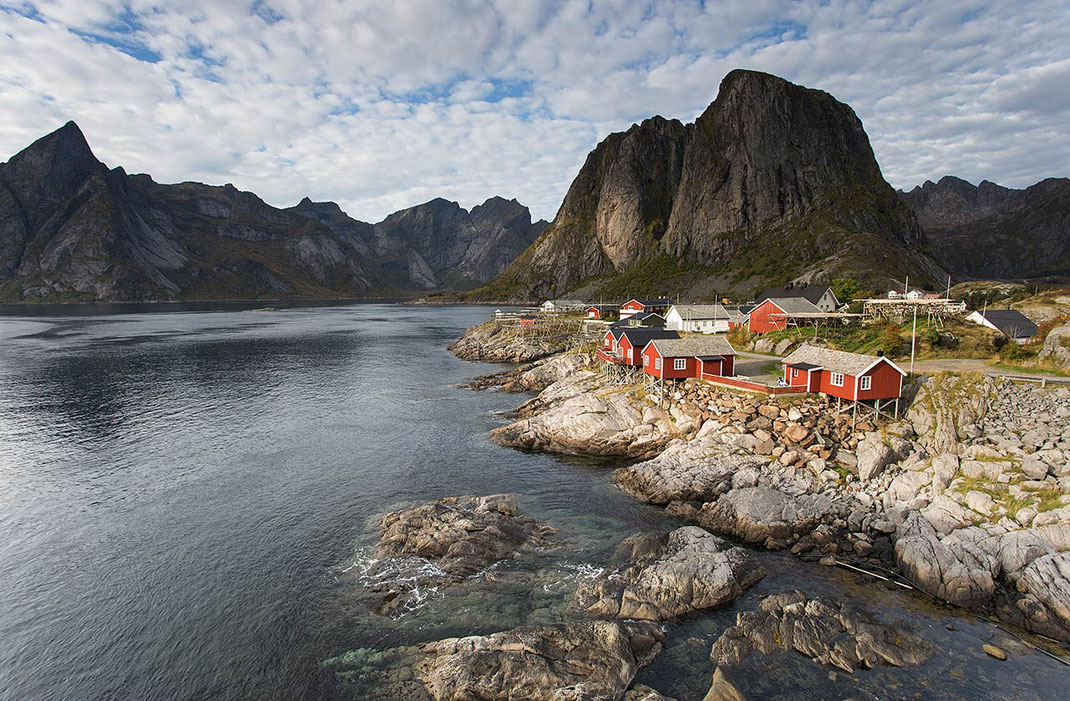 Red Fishermen houses in beautiful landscape with ocean bay and mountains, Lofoten Islands, Norway, 1280x839px