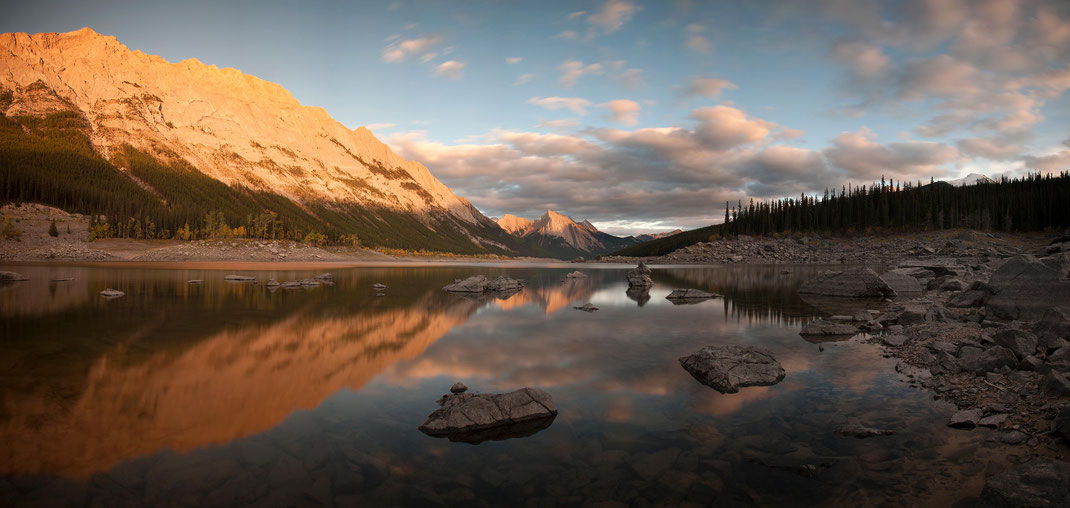 Medicine Lake Long Exposure at Sunset, Jasper National Park, Alberta, Canada, Panorama, 3000x1425px