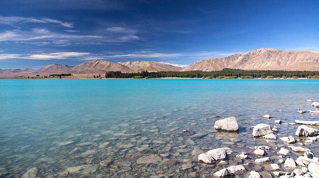 Lake Tekapo with amazing turquoise color, Southern Island, New Zealand,  1280x713px