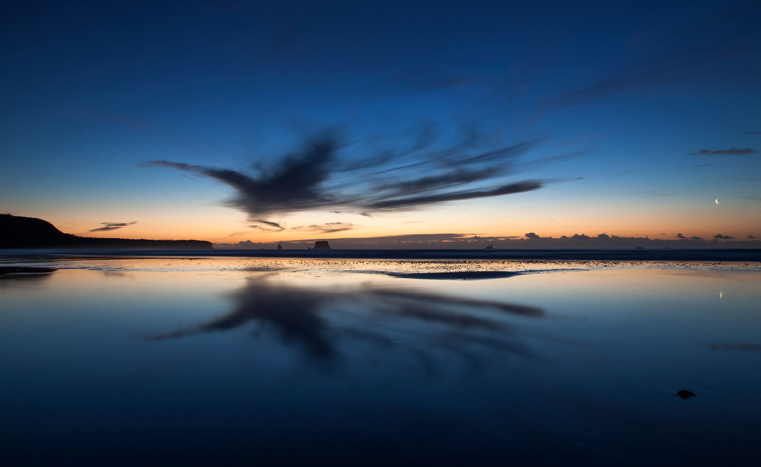 Otaki Beach Sunset in blue light and reflection, Northern Island, New Zealand,  1280x786px
