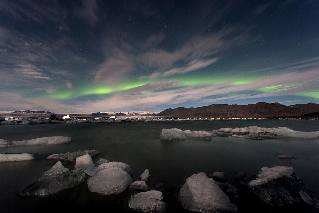 Aurora Borealis, Northern Lights at Jökulsárlón, Floating ice in the Lagoon, Glacier, Iceland, 1280x853px