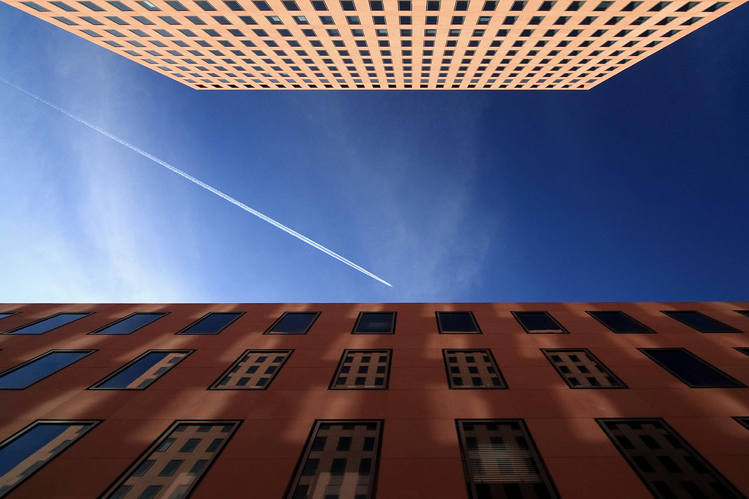 Facade Reflections in Windows with Plane Trail and Blue Sky, Modern Architecture, Frankfurt, Germany, 1280x853px