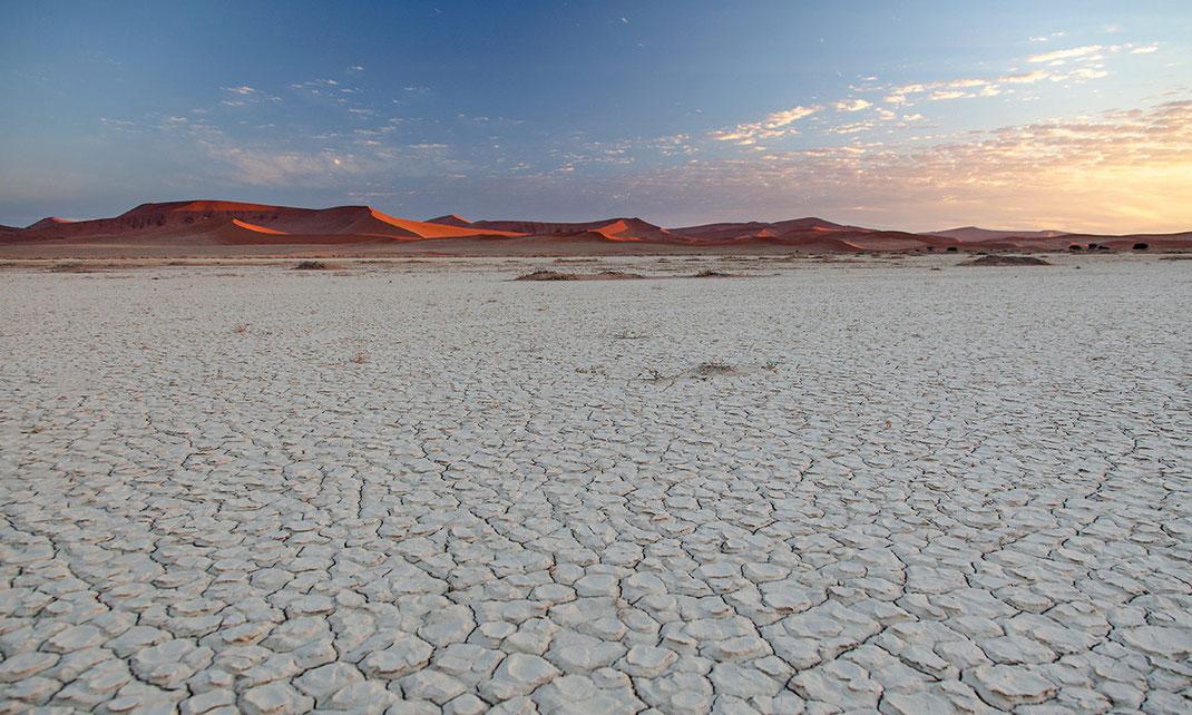 Beautiful and magic Sossusvlei dunes glowing in the sunset, Namib Desert, Namib Naukluft Park, Namibia, 1280x768px