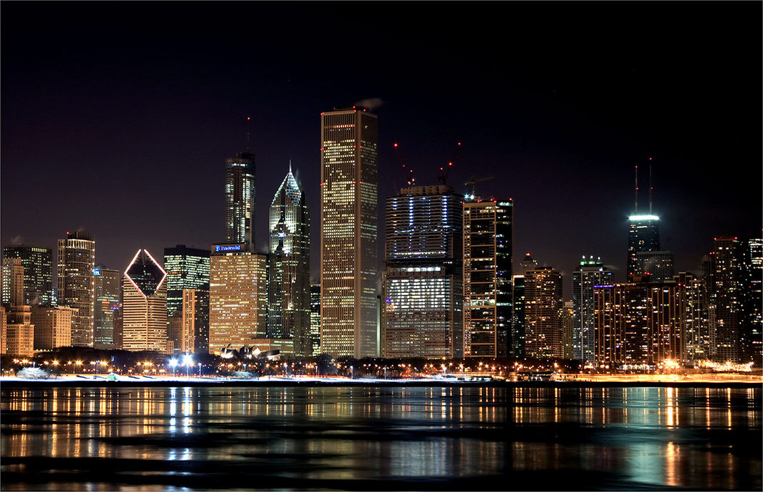 Downtown Chicago seen from the Planetarium, Long Exposure, Illuminated Skyscrapers, Chicago, USA, 1280x825px