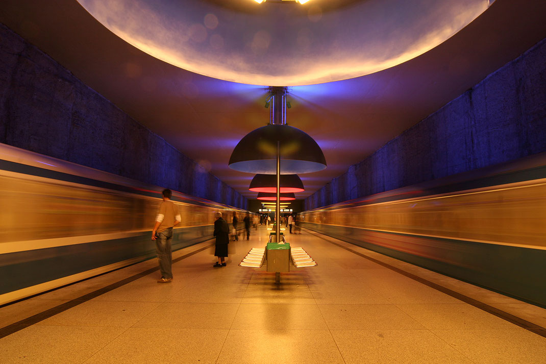 Metro Station in Munich, Westfriedhof with two incoming trains, long exposure, Tripod, 1280x853px