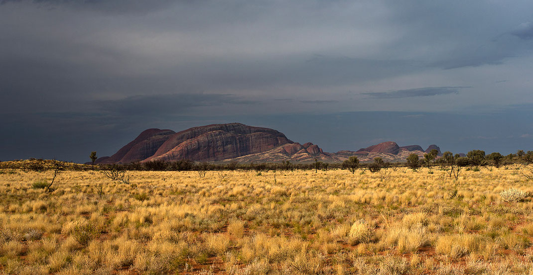Dramatic rainclouds above the Olgas, Kata Tjuta, Northern Territory Outback, Desert, Australia, 1280x661 px
