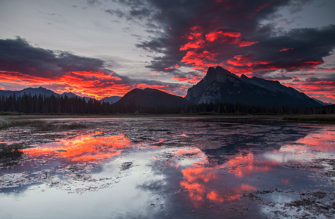 Colorful sunrise at Vermillion Lakes with reflections, Banff National Park, Alberta, Canada, 1280x838px