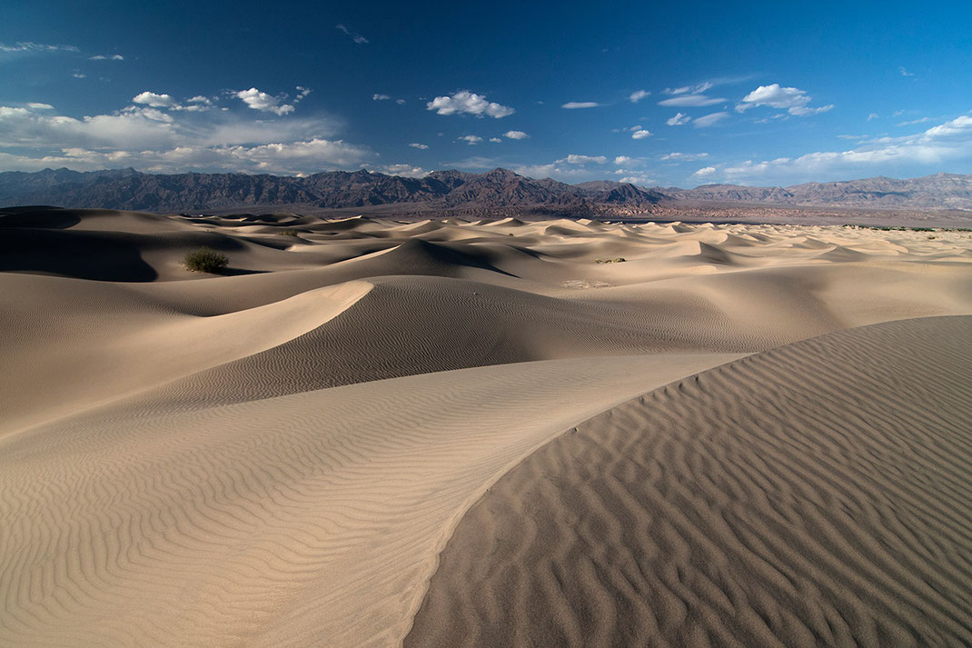 Amazing sand dune field in the Death Valley National Park, Stovepipe Wells, California, USA, 1280x853px