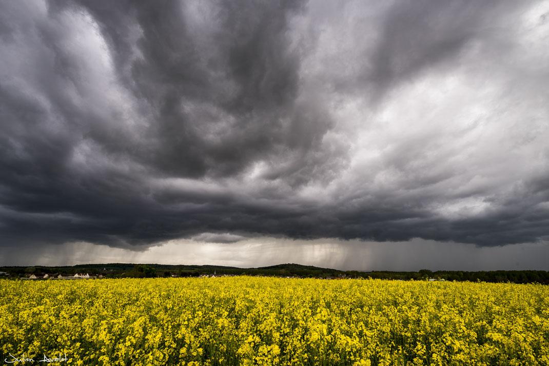 Mercredi 24 Avril 2019 -Ciel de traîne actif et ambiance printanière sur les plaines picardes