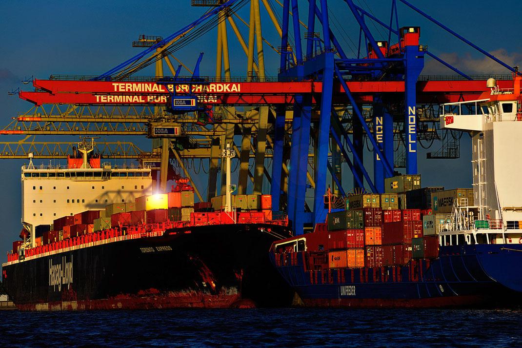 Ein Container geht auf die Reise