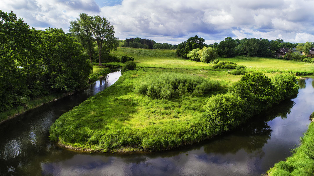 Luftaufnahme der renaturierte Traveschleife, bei Bad Oldesloe, Stormarn von Jürgen Müller