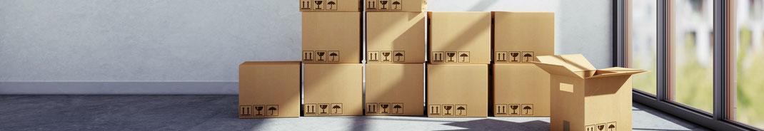 Kisten packen für Umzug