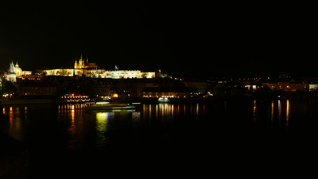Prag Karlsbrücke Burg