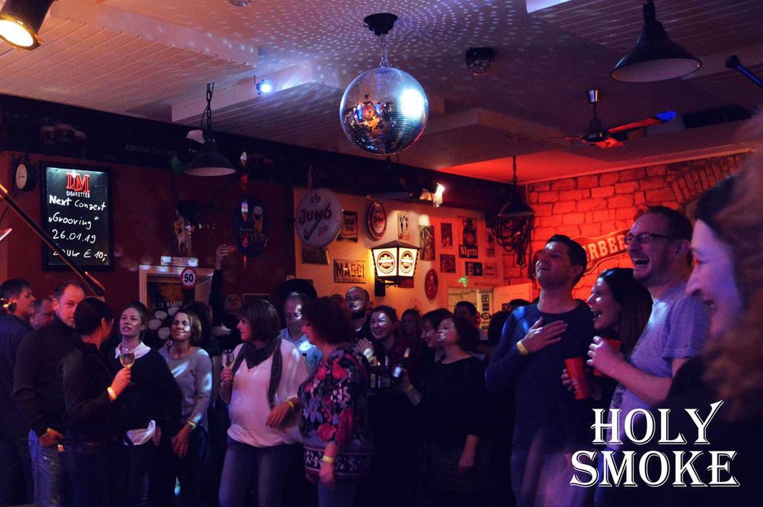 Weihnachtsrock Ballroom Salmünster Live Musik im Club mit Rock und Partyband Holy Smoke