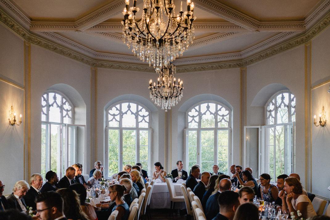 Schloss Gesellschaft Hochzeit