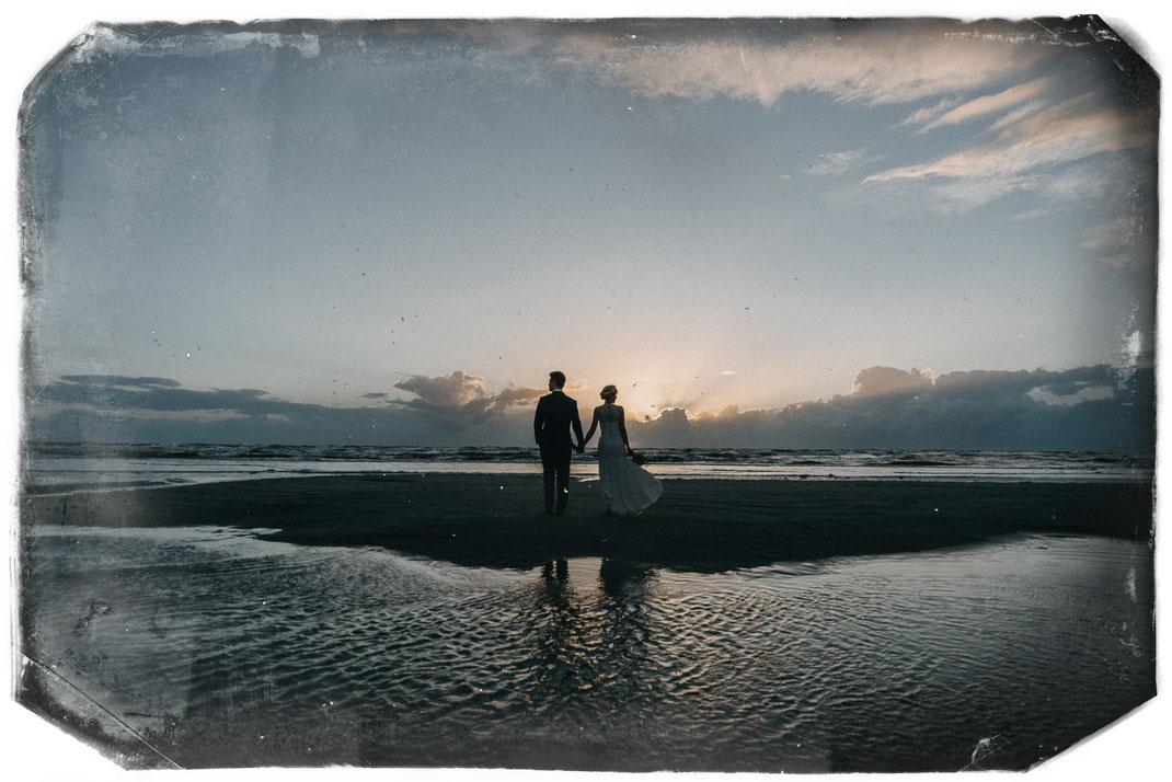 Hochzeitsfotograf Hamburg zu Gast am Strand in SPO