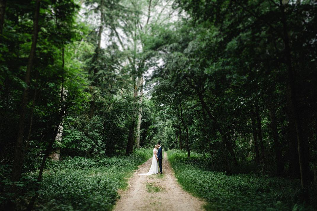 Kuss Brautpaar Hochzeitsfotograf