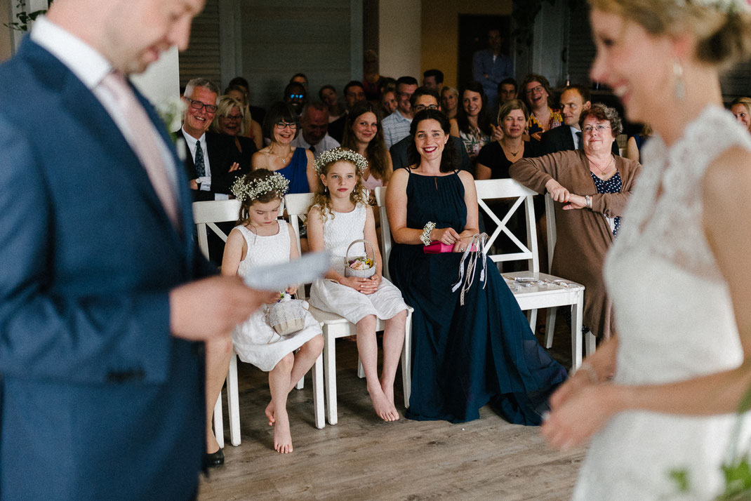 Rührung Gäste Paar Rede