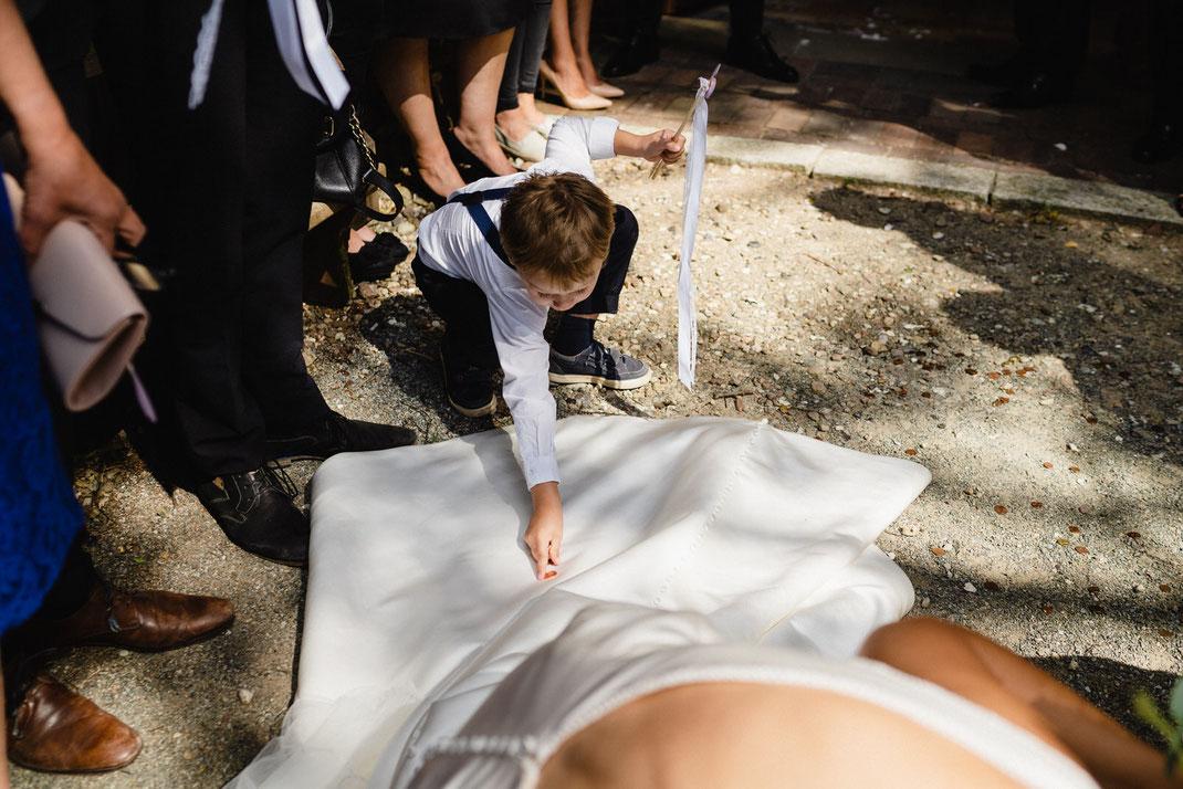Münzen Kleid Kind Hochzeitsfotograf Hamburg