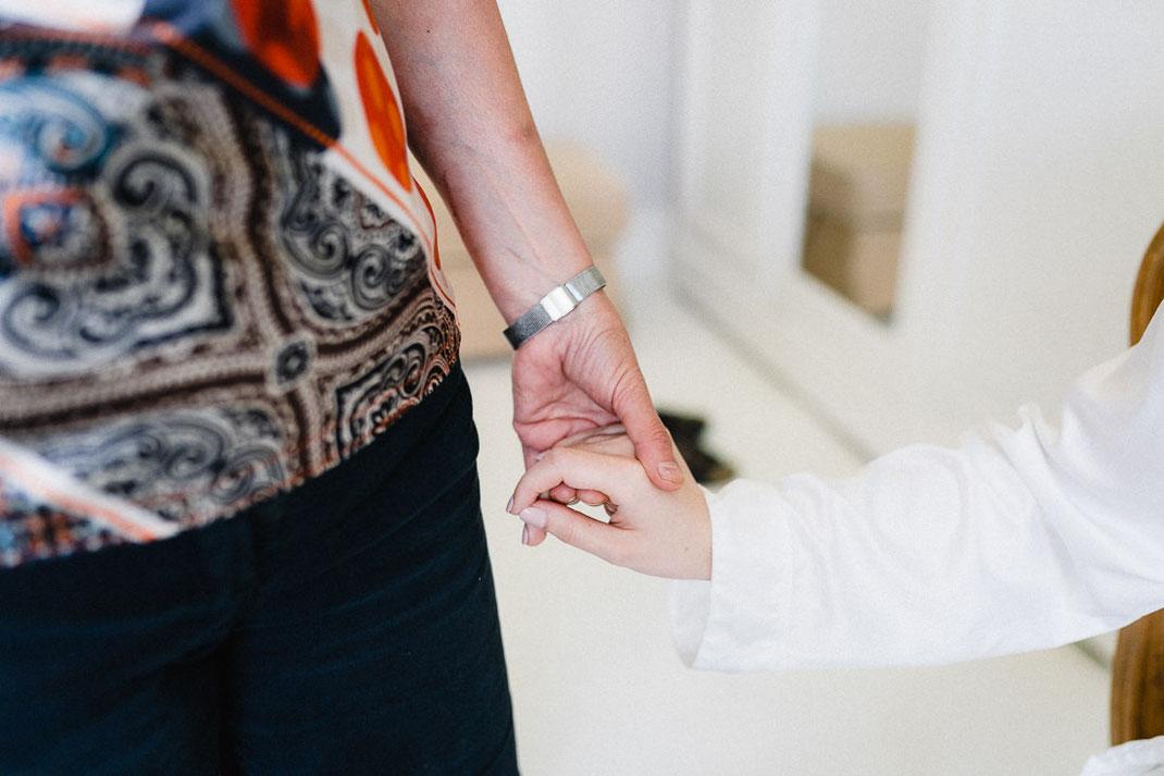 Frauen Hände Intim Hochzeitsbilder
