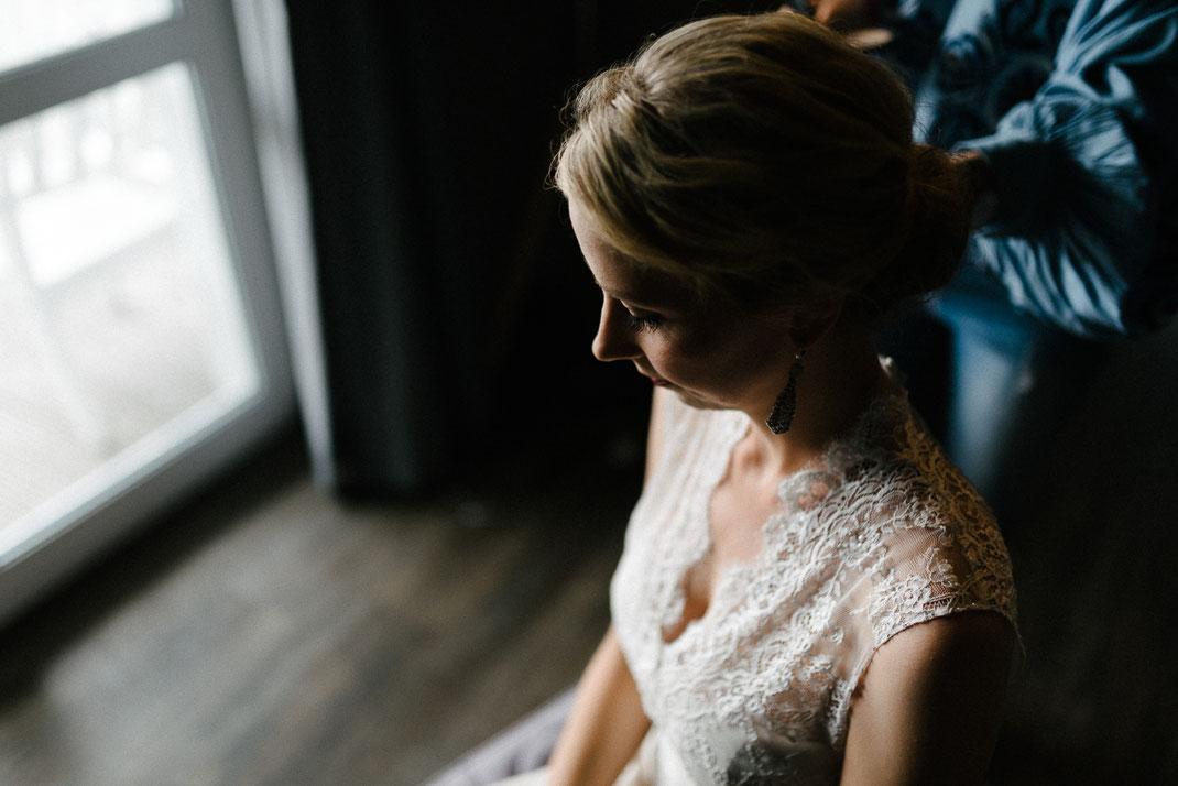 Portrait Braut hübsch Haare Augen Schatten