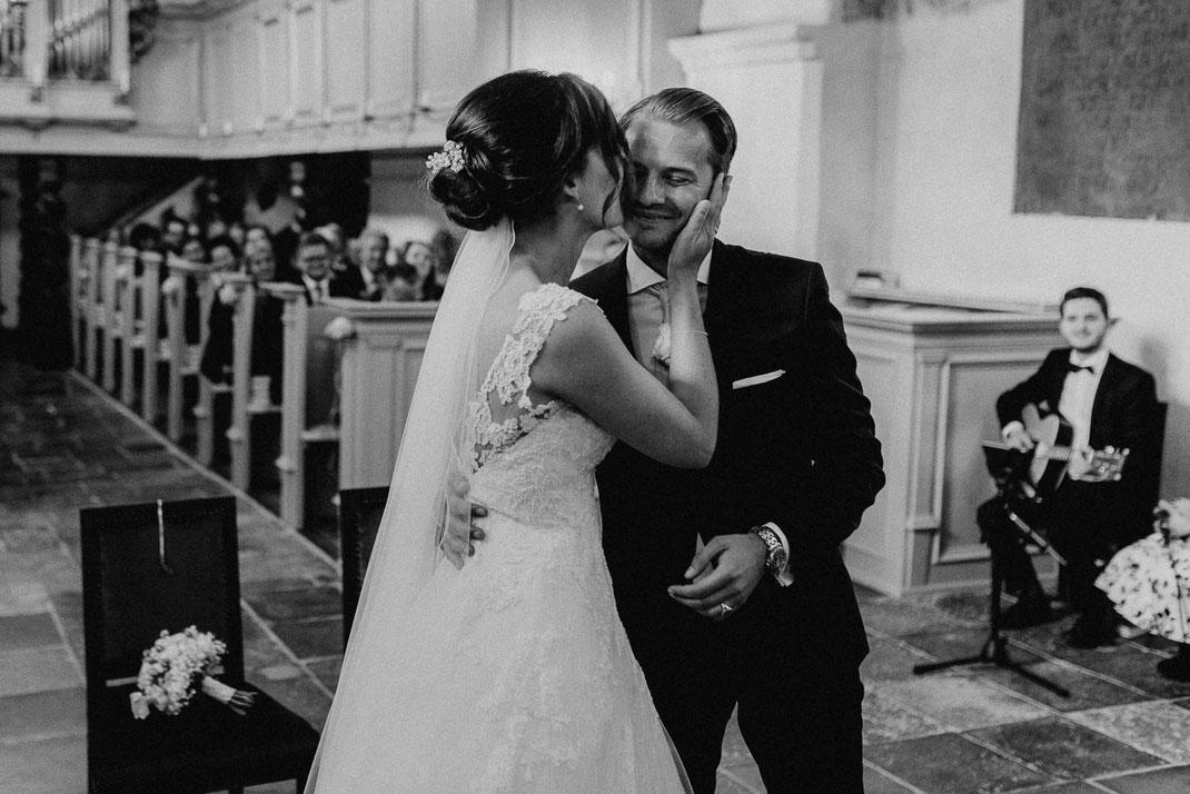 Kuss Hochzeit nach dem Ja Wort