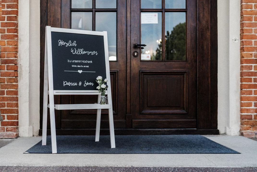 Tür Willkommensschild Kreide Tafel
