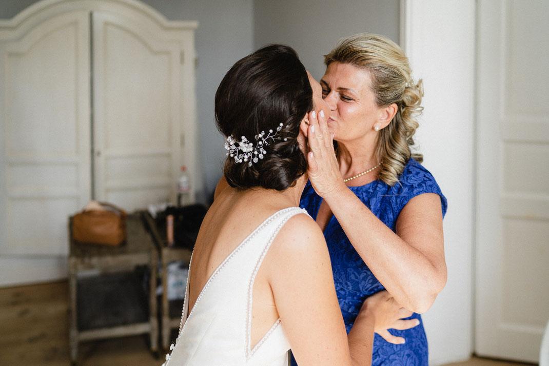 Kuss Mutter Braut Haarschmuck