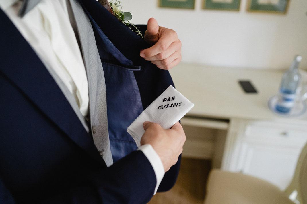 Gesticktes Taschentuch Hochzeit