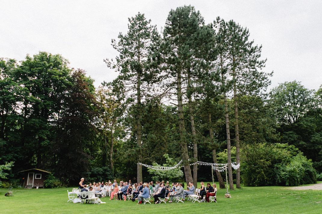 Veranstaltung Bäume Gesellschaft Rasen Holzhütte
