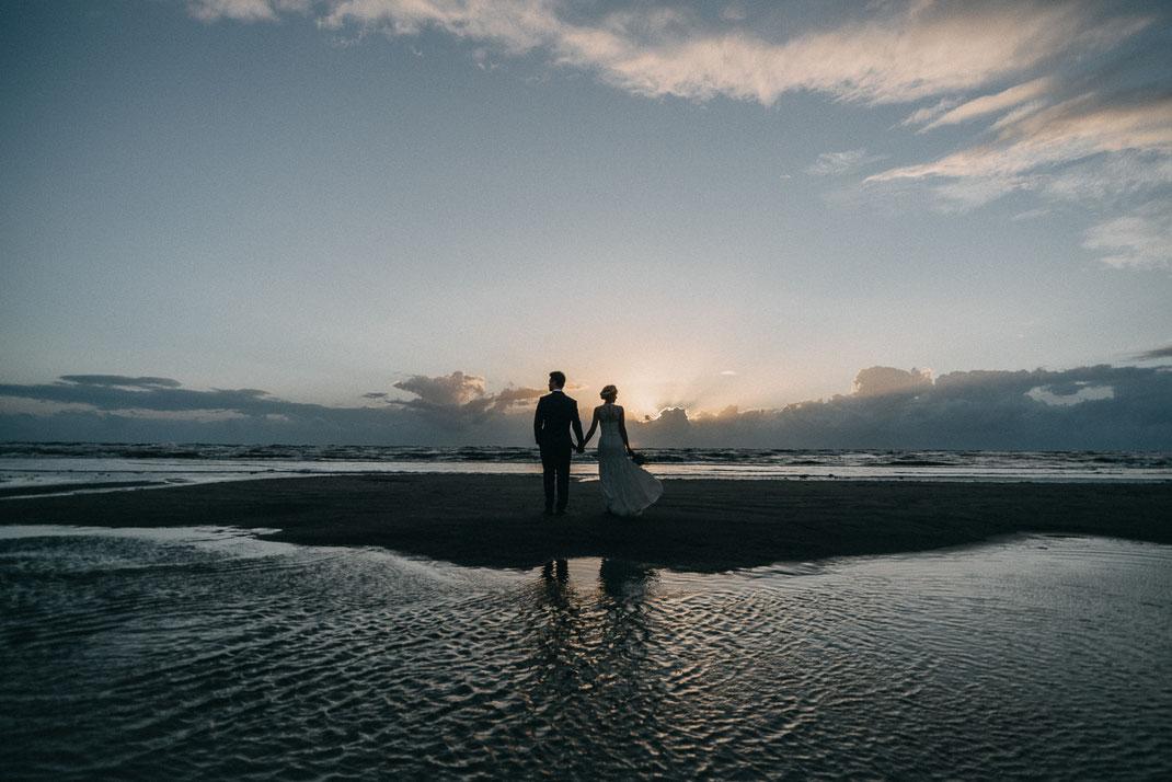 Watt Nordsee Strand Brautpaar Hochzeitsfotograf Matthias Endlich