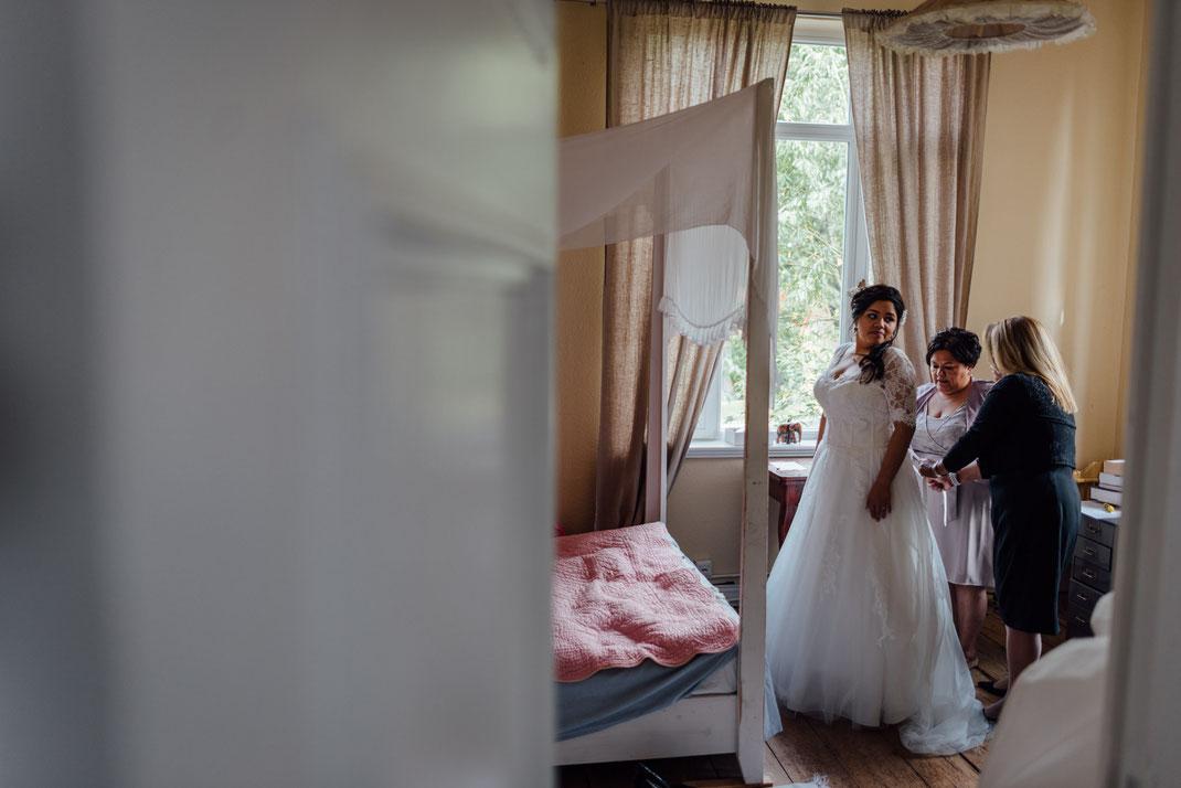 Doppelbild Hochzeit Braut Kleid