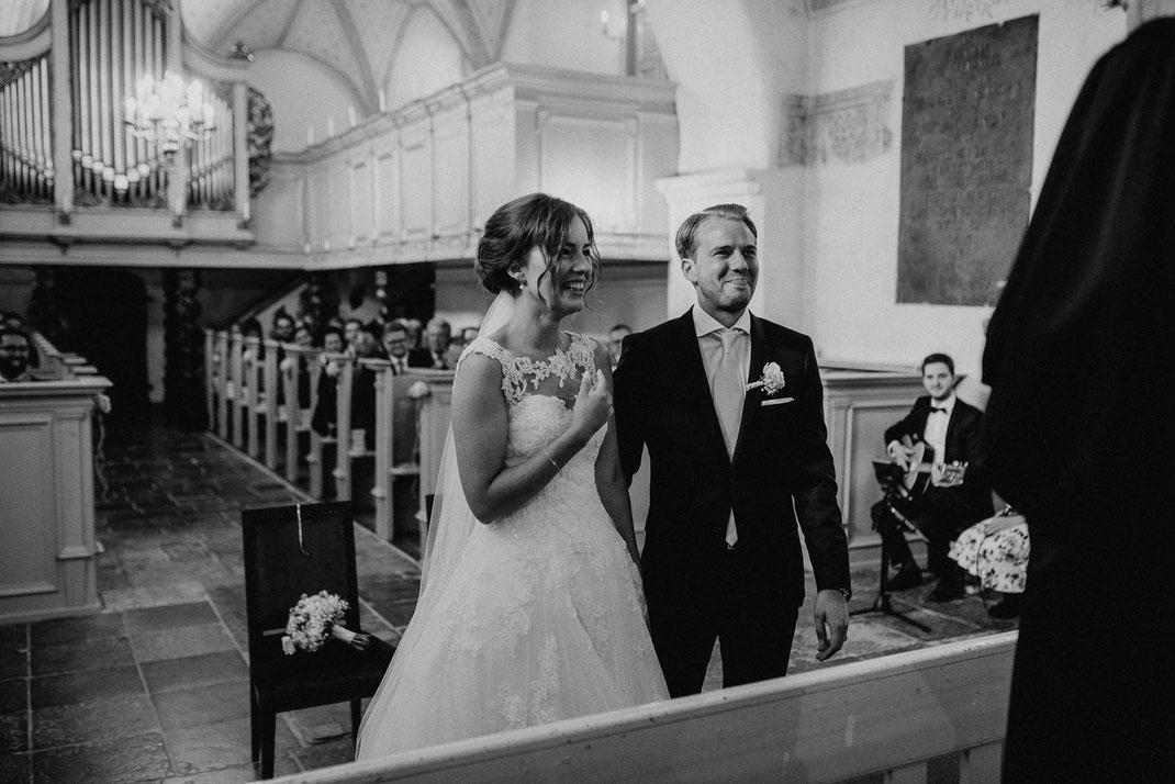 Zunge raus Paar Hochzeit