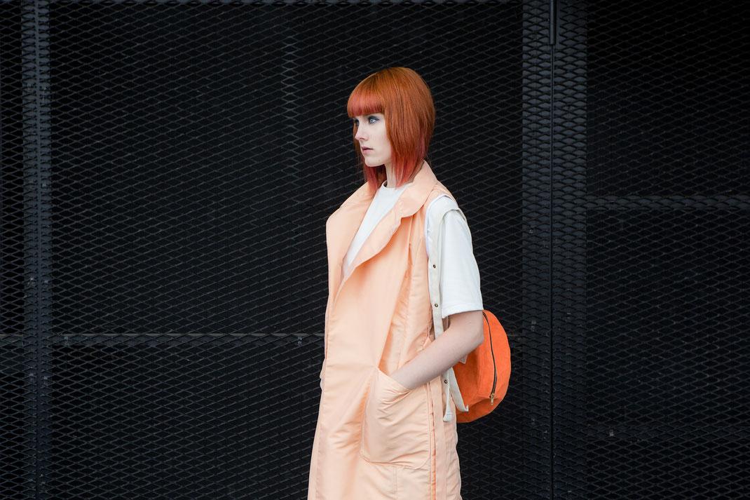 WHO Hamburg handmade Streetwear St.Pauli Vest Weste Orange Shirt Alma Shorts Meadow made in Hamburg Rucksack Backpack rund round Sphere Kunstleder sustainable fair vegan Design Label