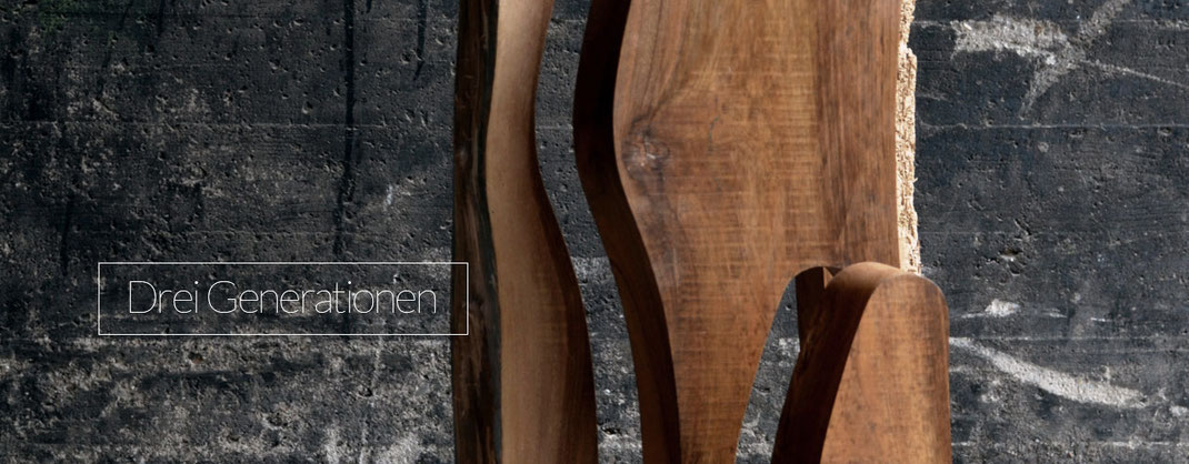 Skulptur aus Holz, Kunstobjekt freistehend
