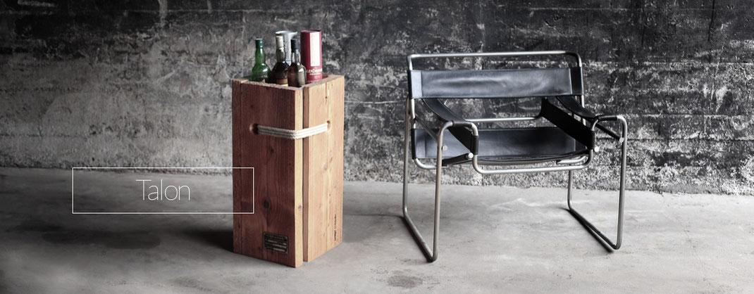 Vase, Bar aus Holz Stahl und Seilelementen