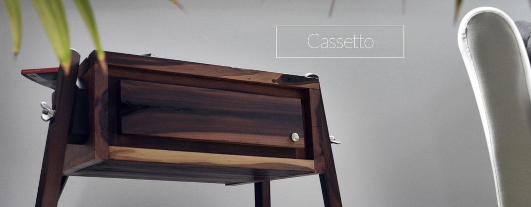 Freistehende Schublade aus Holz
