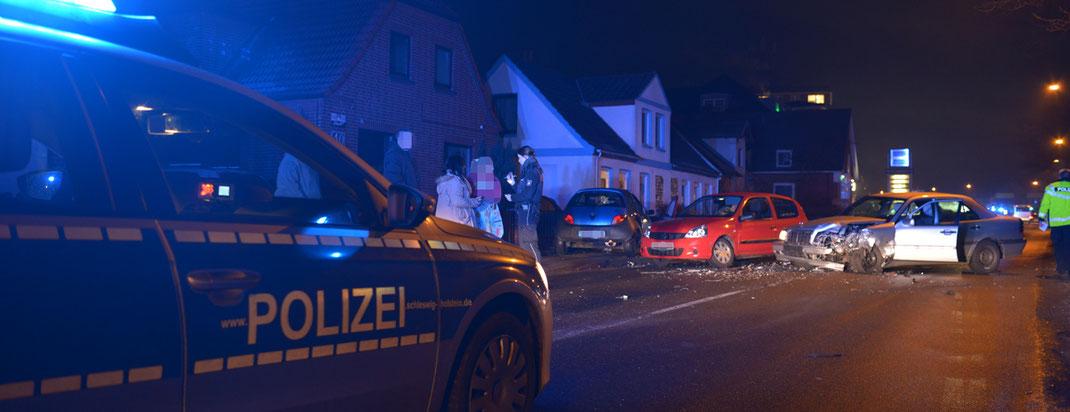 03.12.2016 - Verkehrsunfall in Oststeinbek.