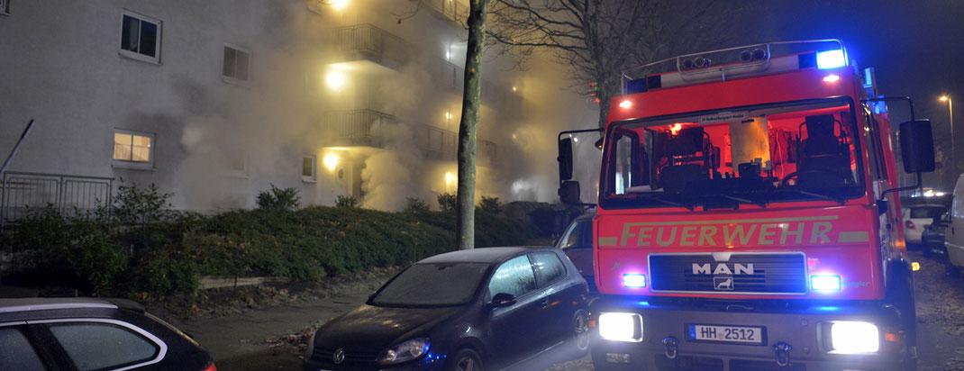 03.12.2016 - Zwei Pkws brennen in Tiefgarage.