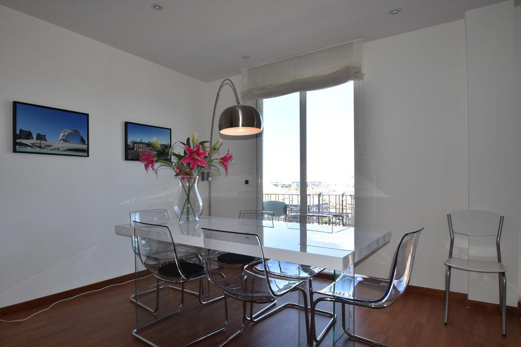 Woonkamer noordzijde appartement in Valencia