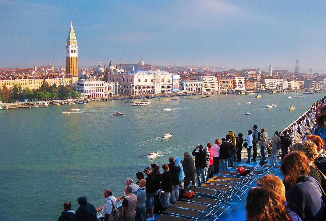 Die Ausfahrt aus Venedig - atemberaubend schön!