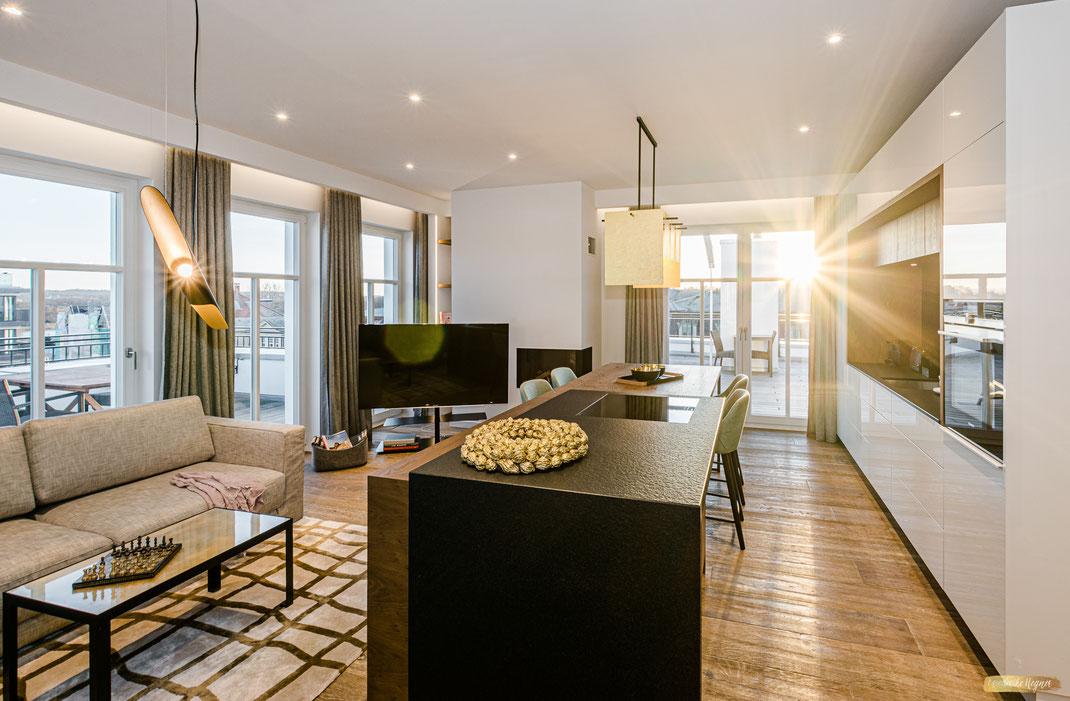 Beachhouse Bansin Penthouse Sunset - Einblick in den Wohn/Essbereich