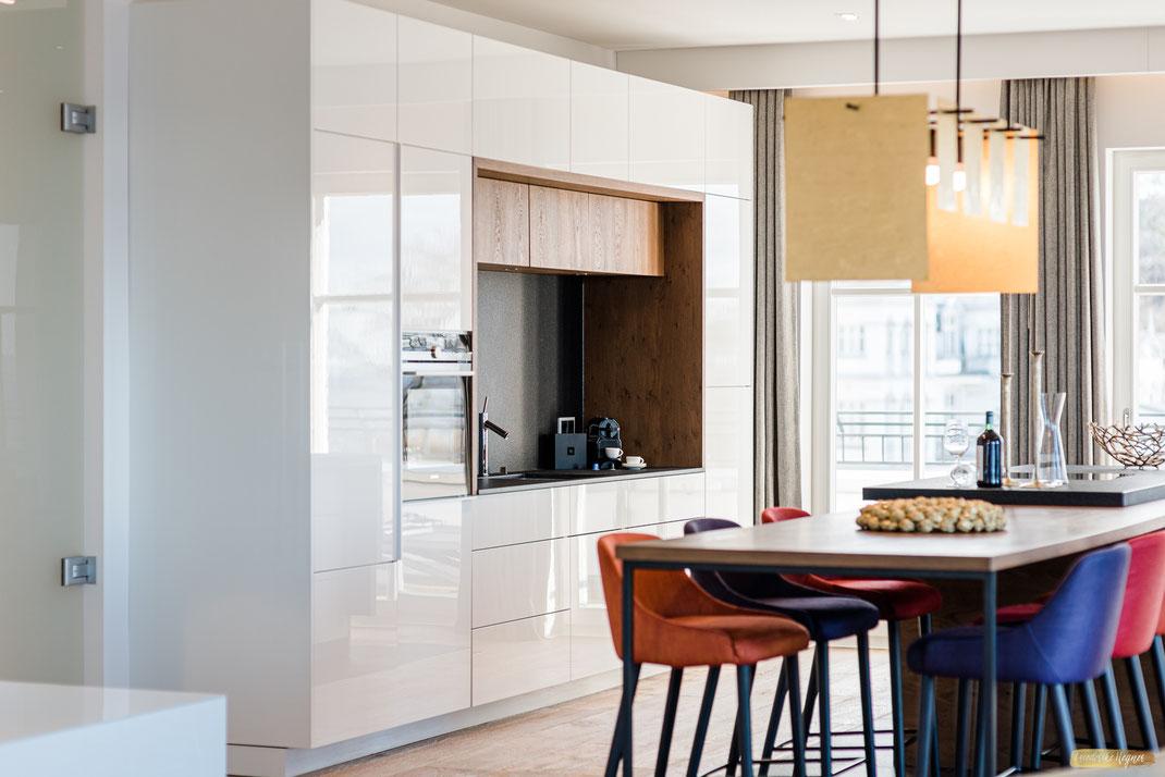 Beachhouse Bansin Penthouse Waterfront - Einblick in den Wohn/Essbereich