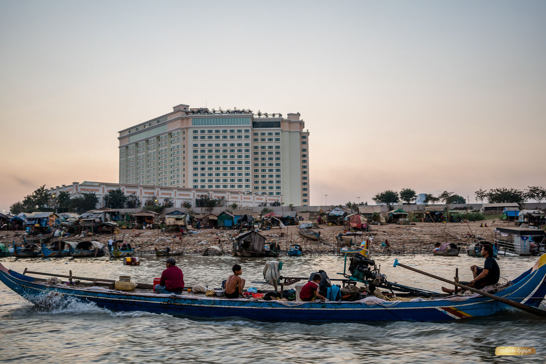Boot auf dem Mekong in Phnom Penh Kambodscha